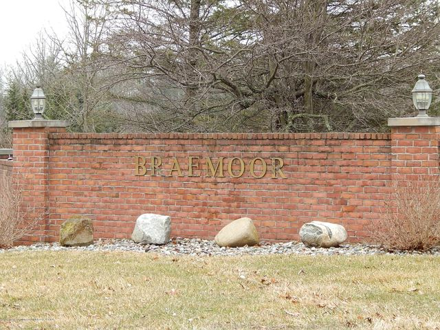 4339 River Glen, Okemos, MI 48864