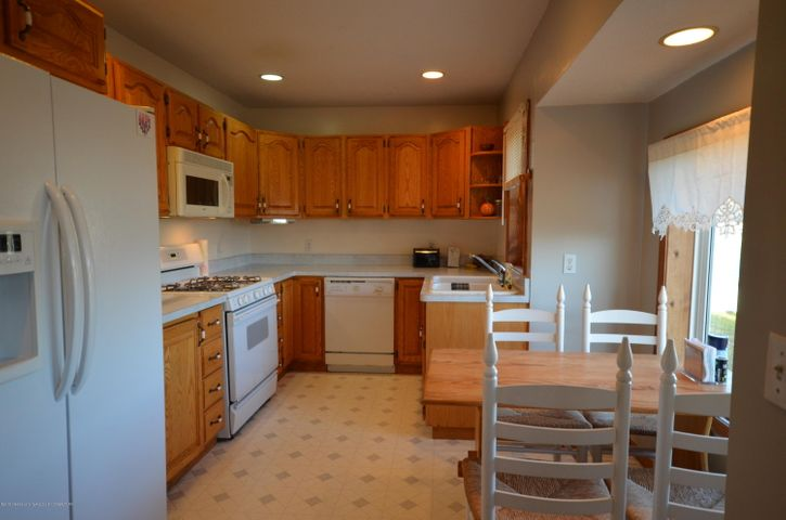 10630 Plains Rd - Kitchen/dining room - 13