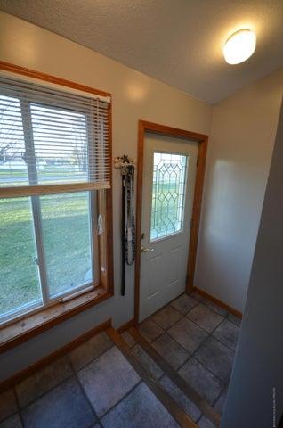10630 Plains Rd - Foyer - 3