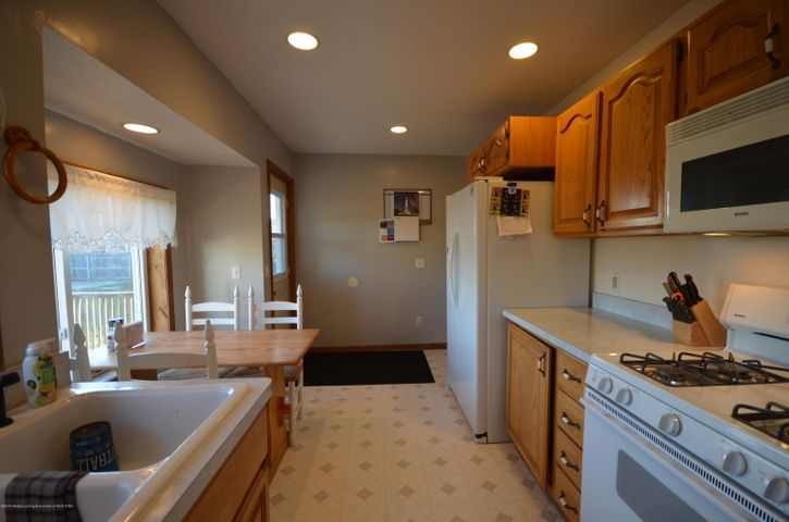 10630 Plains Rd - Kitchen - 14