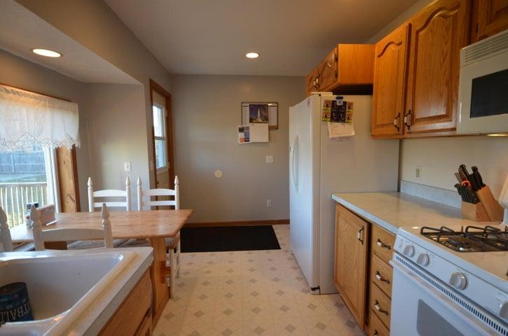 10630 Plains Rd - Kitchen - 12