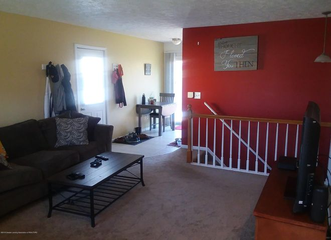 4112 Chickory Ln - Living Room - 3