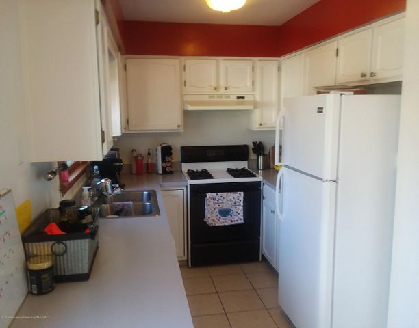 4112 Chickory Ln - Kitchen - 4