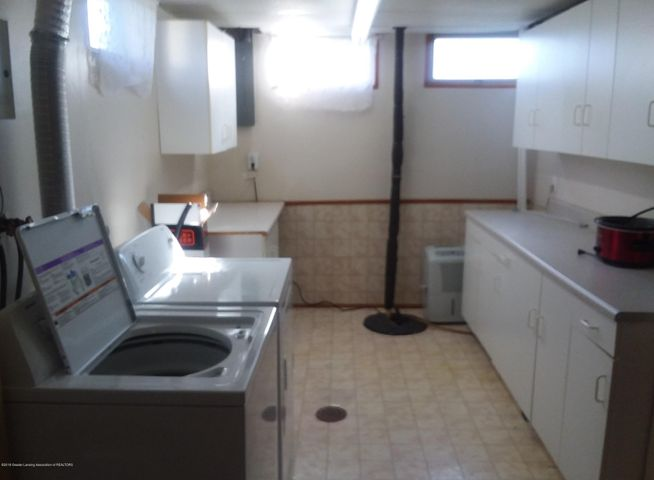 4112 Chickory Ln - Laundry Room - 9