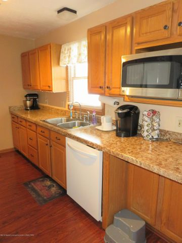 9630 S Morrice Rd - 5 9630 Kitchen - 6