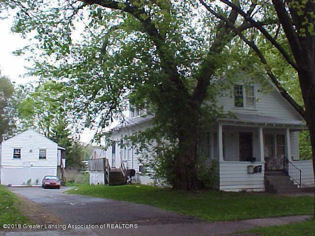 3319 Jewel Avenue, Lansing, MI 48910