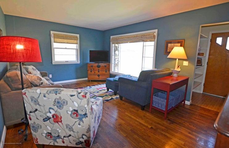 1806 Linden St - 10  1806 LINDEN LIVING ROOM - 10