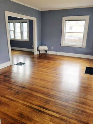 110 N Foster Ave - Living Room - 3