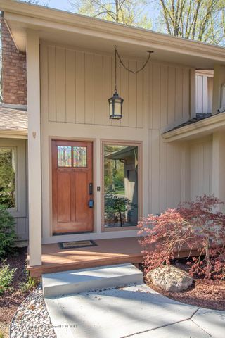 3934 Hemmingway Dr - Front Entry - 5
