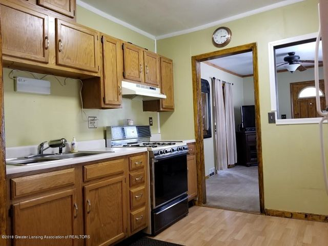2313 S Rundle Ave - 20180506_151020 - 11