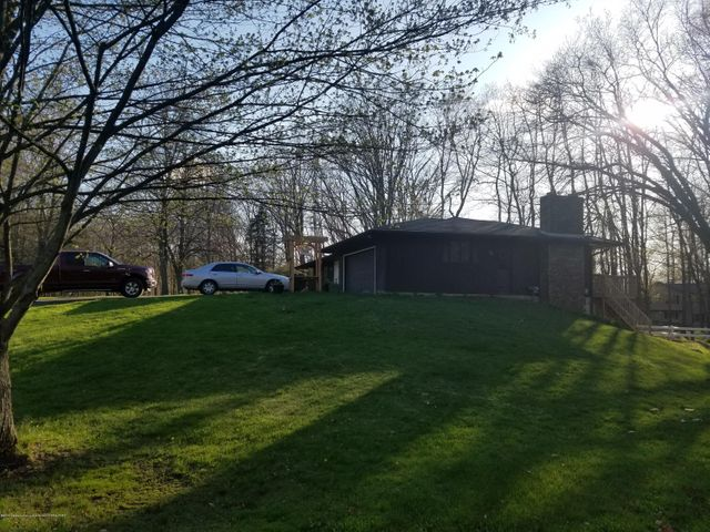 222 Engle Dr - SIDE VIEW - 4