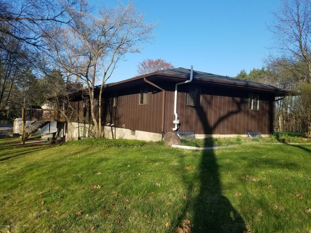 222 Engle Dr - SIDE VIEW - 5