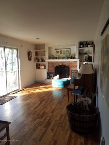 222 Engle Dr - FAMILY ROOM - 23