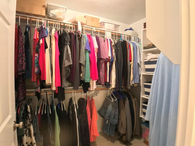 5472 Earliglow Ln - Master Closet - 16