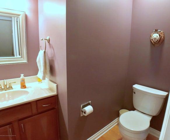 5472 Earliglow Ln - First Floor Half Bath - 18