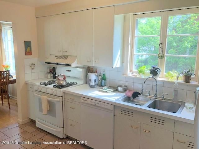 520 Kedzie St - Kitchen - 12