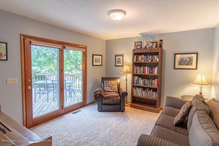 2425 Bush Gardens Ln - Living Room - 19