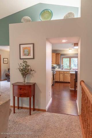 2425 Bush Gardens Ln - Living Room to Kitchen - 20
