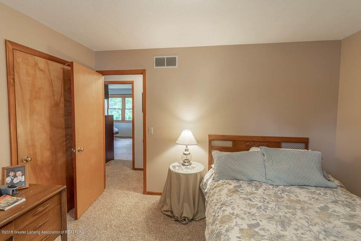 2425 Bush Gardens Ln - Bedroom - 29