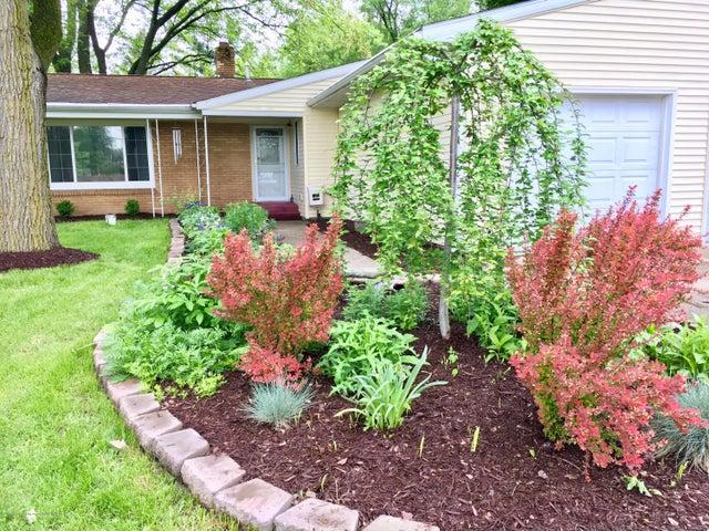 5367 Marsh Rd - Front garden - 3