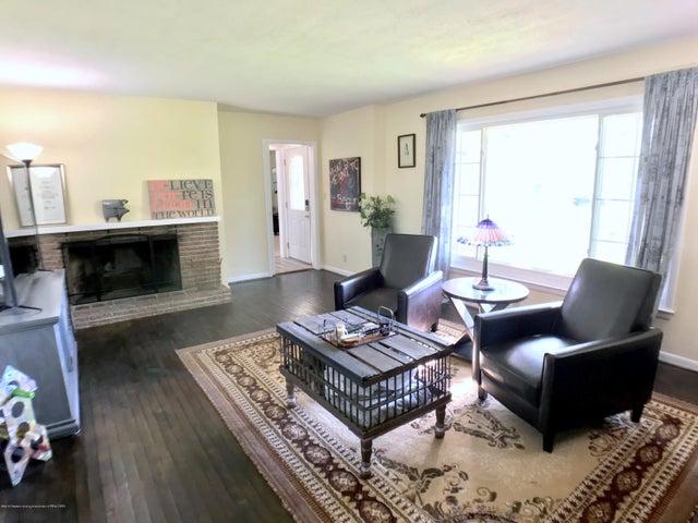 5367 Marsh Rd - Living Room - 6