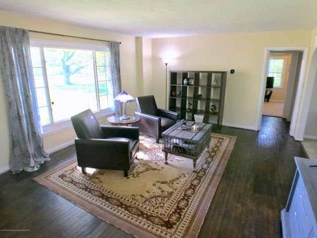 5367 Marsh Rd - Living Room - 7