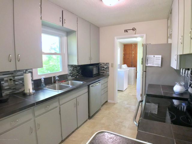 5367 Marsh Rd - Kitchen - 9