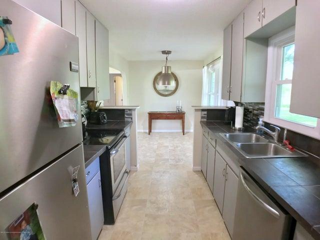 5367 Marsh Rd - Kitchen - 11