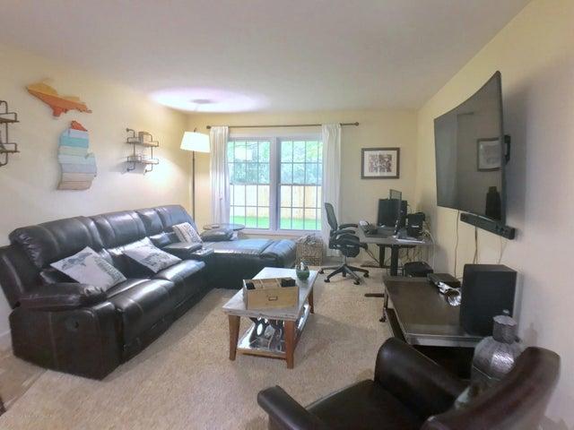 5367 Marsh Rd - Family Room - 12