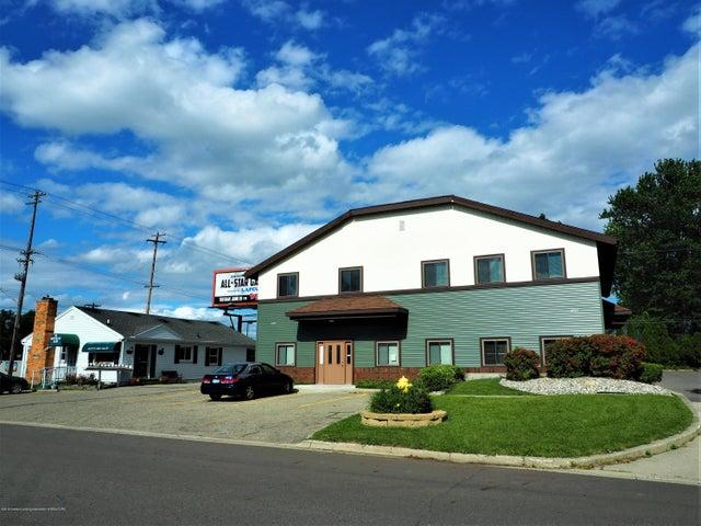 4517 W Saginaw Highway, Lansing, MI 48917