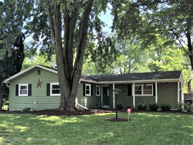 Great location! Close to highways, MSU, LCC, downtown Lansing.