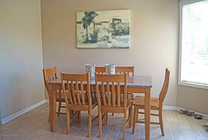 5711 Ladderback - Dining - 11