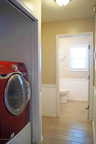 5711 Ladderback - Laundry Area - 13