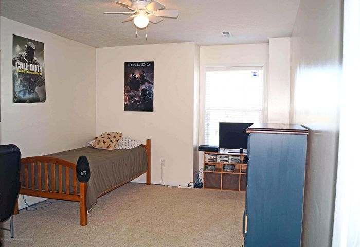 5711 Ladderback - Bedroom 2 - 17