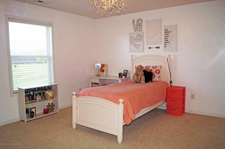 5711 Ladderback - Bedroom 3 - 19