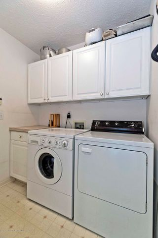 5256 E Hidden Lake Dr - 5256 E Hidden Lake 1st floor laundry - 8