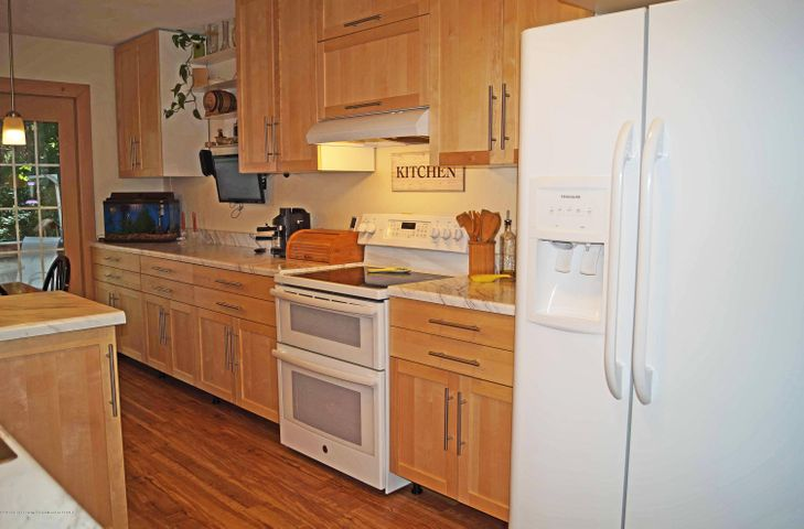 1847 Crest St - Kitchen - 8