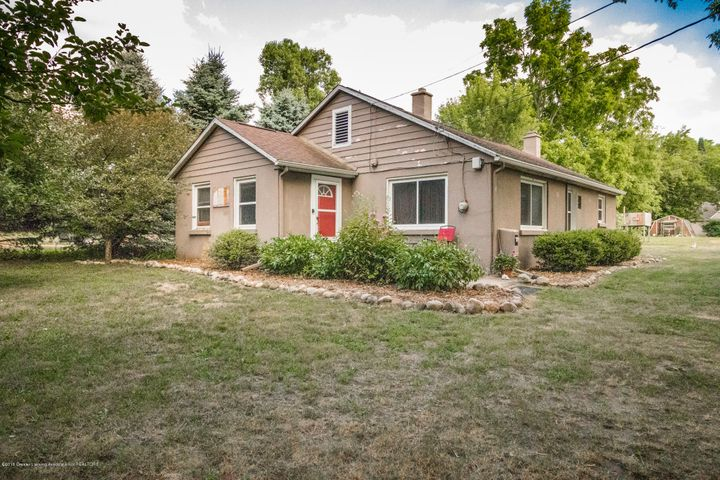 6622 E Sunset, East Lansing, MI 48823