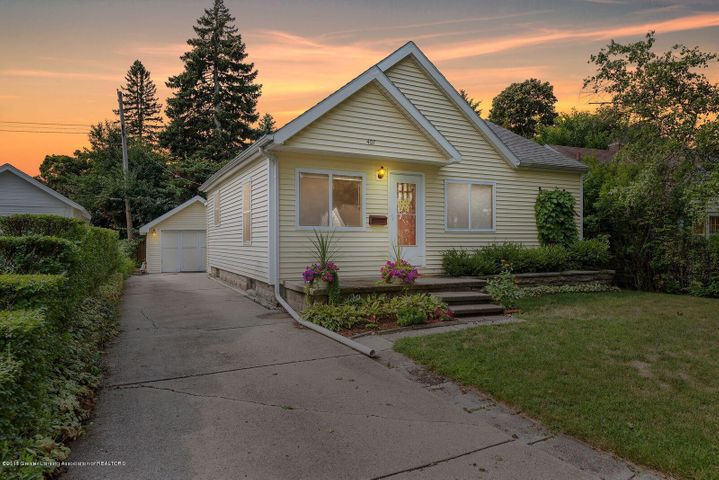 407 Strathmore Rd - Welcome Home - 1
