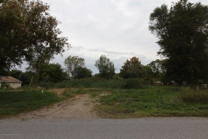5786 Kinneville Road, Eaton Rapids, MI 48827