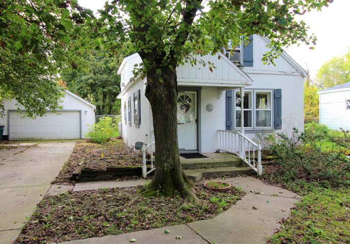 1607 W Jolly Road, Lansing, MI 48910