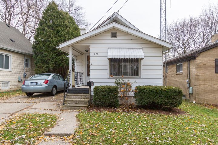 229 S Foster