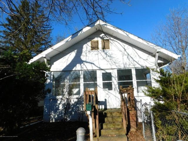 1800 Bailey Street, Lansing, MI 48910