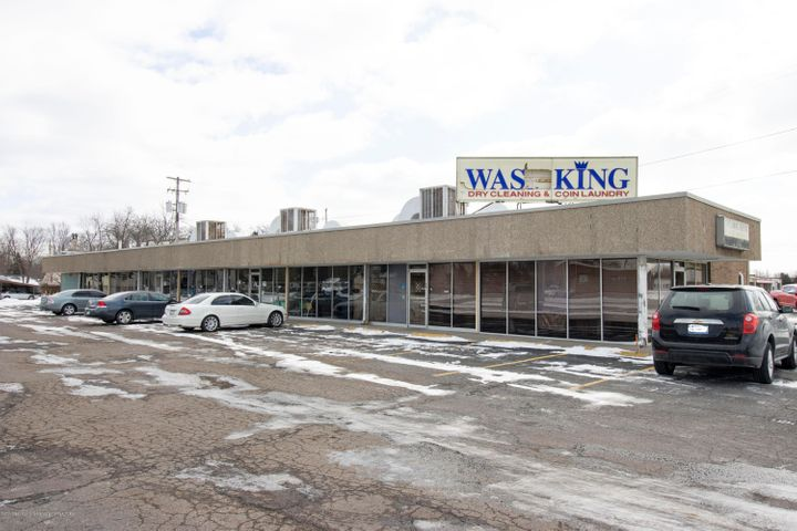 516 Elmwood Road, Lansing, MI 48917