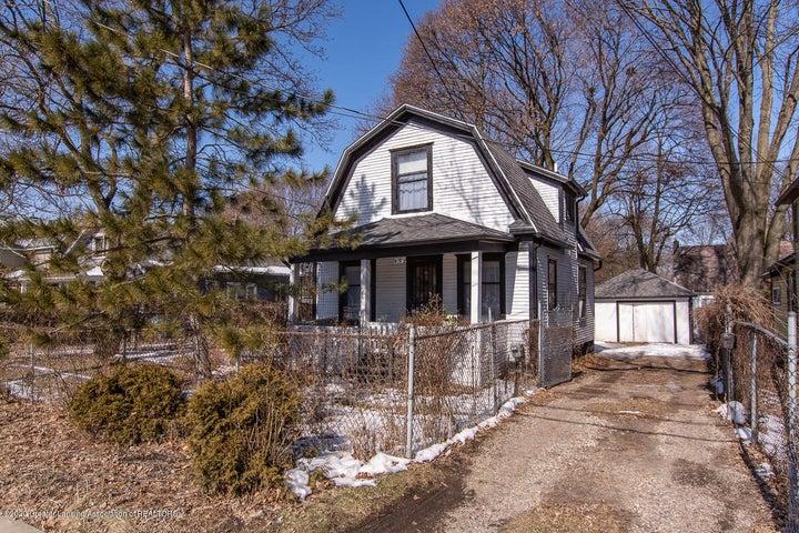 902 W Willow Street, Lansing, MI 48915
