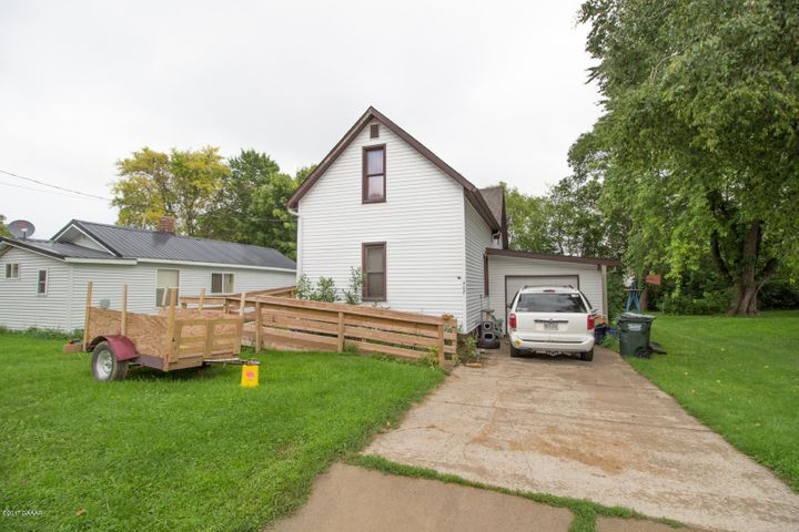 407 2nd Avenue E, Osakis, MN 56360