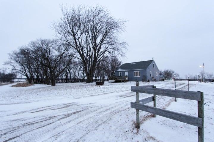 9991 W Cemetery Road SE, Villard, MN 56385