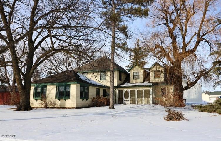 116 W Colfax Street, Parkers Prairie, MN 56361
