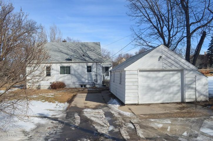 414 E Minnesota Avenue, Glenwood, MN 56334