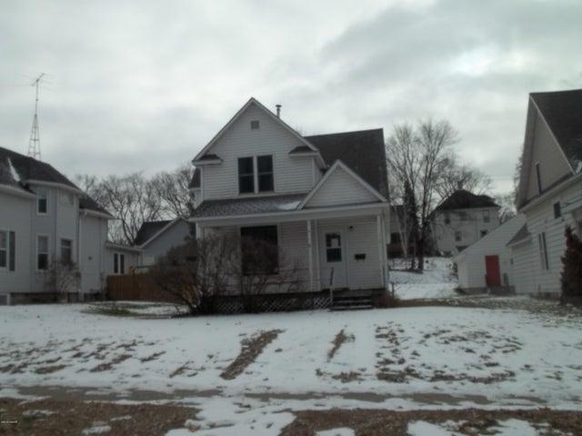 306 E Vernon Avenue, Fergus Falls, MN 56537